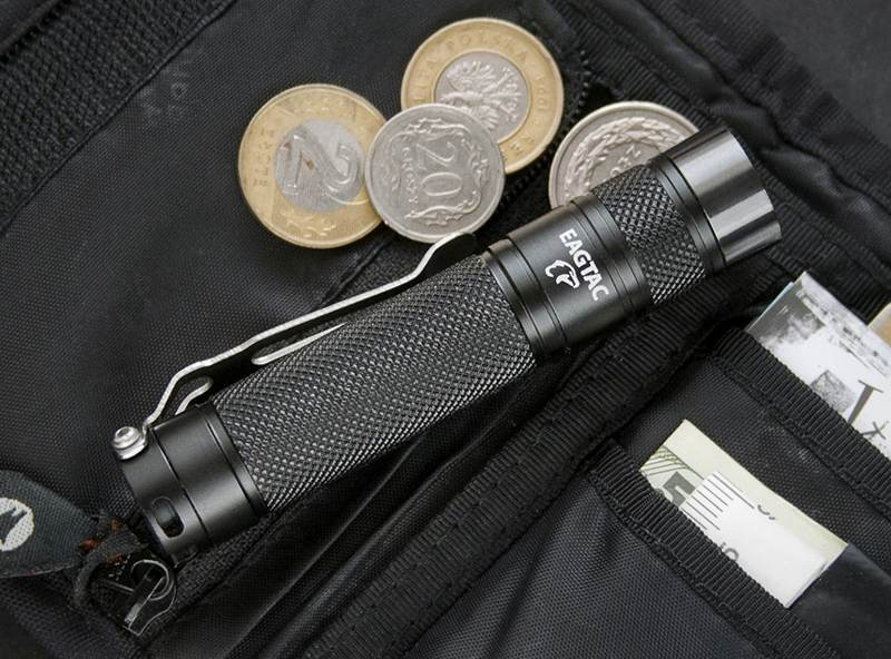 Your Guide to Finding the Best EDC Flashlights: Don't be left in the Dark!